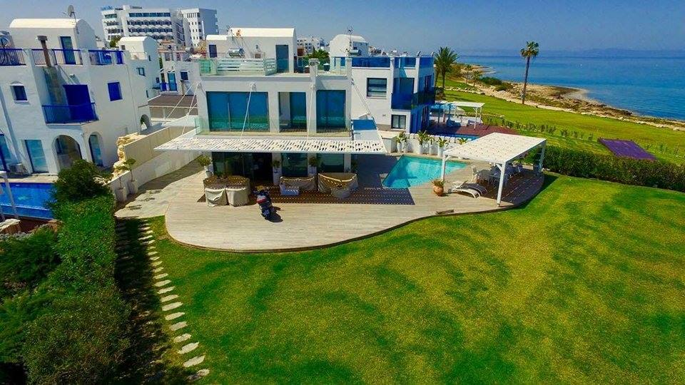 6 BEDROOM BEACHFRONT VILLA  - AYIA TRIADA